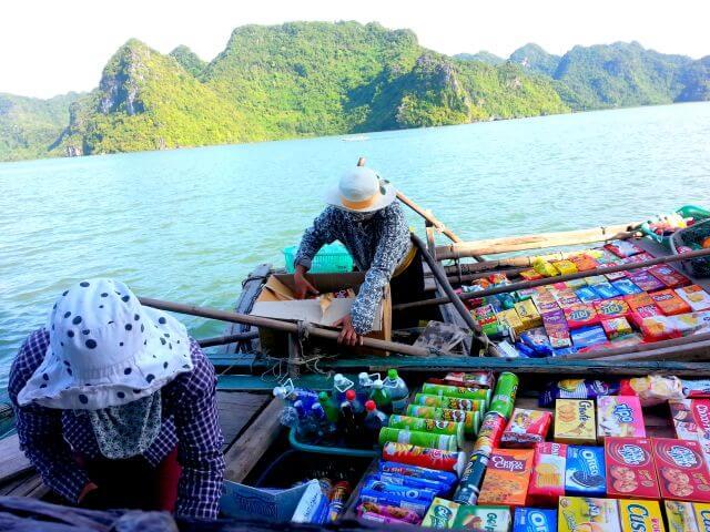 floating market Catba Island halong bay
