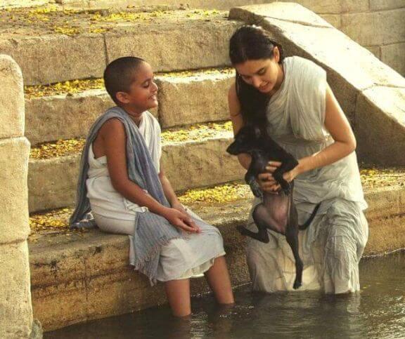 Water movie dog